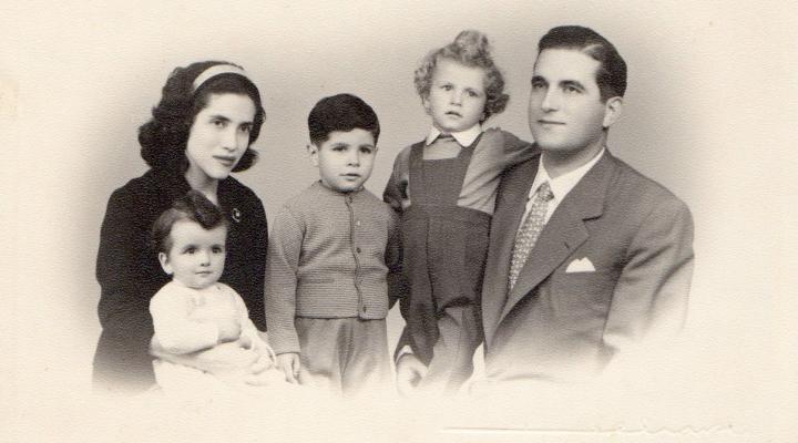 Alda Lara with her family